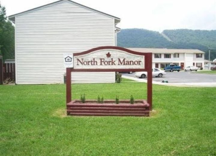 North Fork Manor